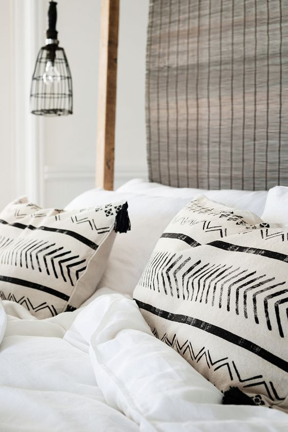 Black and White cushions - Image from Pinterest by H&M Home