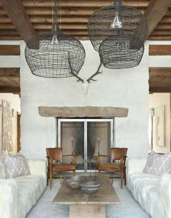 Statement lighting - Image from Pinterest by baobabinteriors
