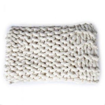 national trust_chunky knit throw5727268937052257388..jpg