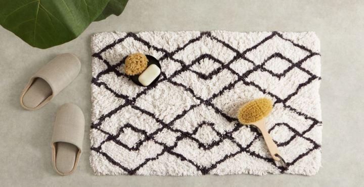 Made.com bath rug £15